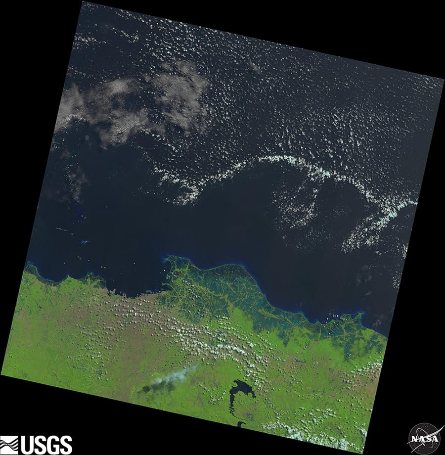Contoh Landsat 8 Natural Color