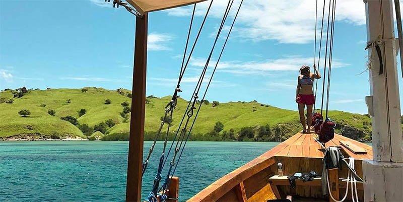 Berlayar di Lautan Taman Nasional Komodo