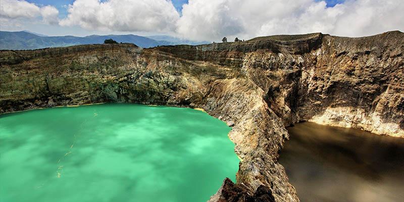 Danau Tiga Warna Taman Nasional Kelimutu