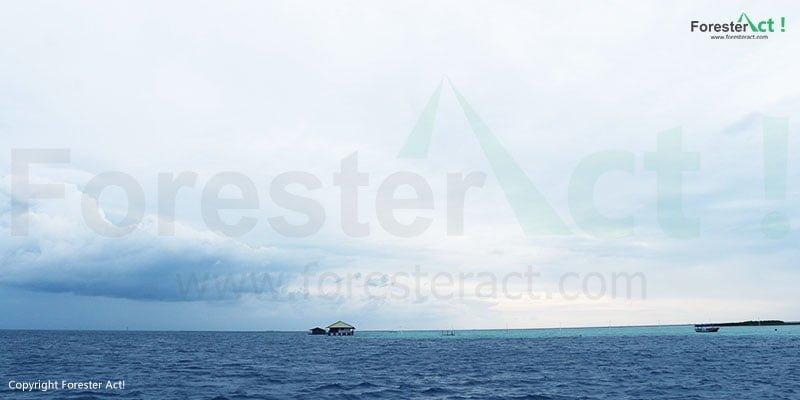 Suasana lautan di Pulau Harapan