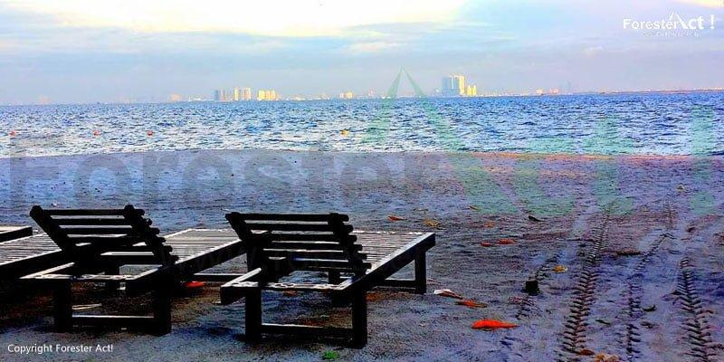 View Kota Jakarta dari Pulau Bidadari