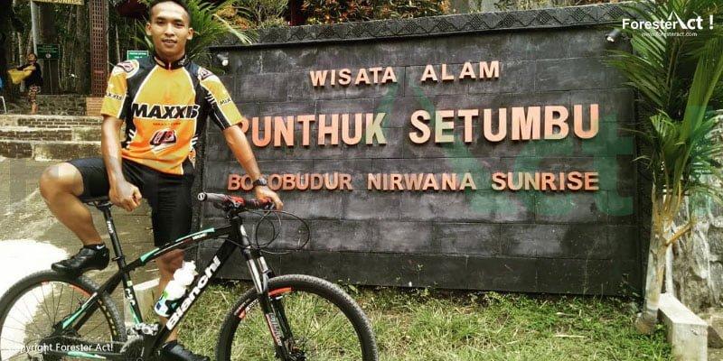 Bersepeda ke Punthuk Setumbu pun merupakan kegiatan yang menarik
