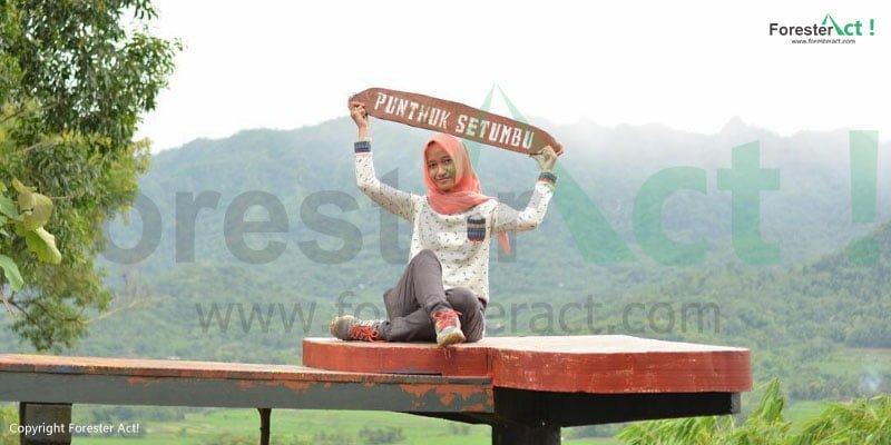 Punthuk Setumbu merupakan salah satu spot berfoto terbaik di Indonesia