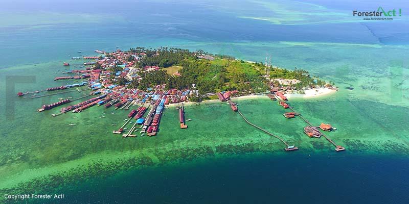 Foto Pulau Derawan dari Udara