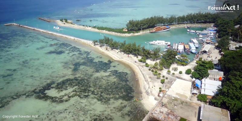 Dermaga di Pulau Pari