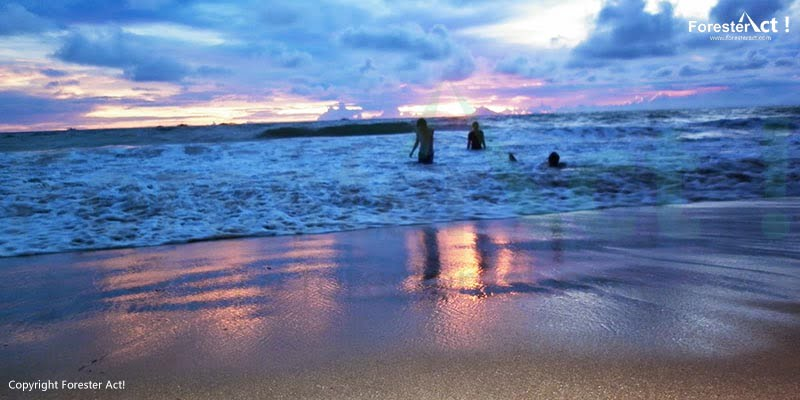 Pasir Putih di Pantai Carita Banten