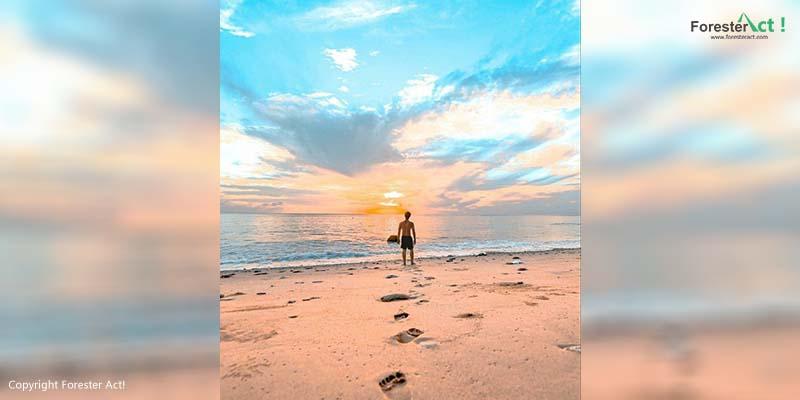 Pasir Bersih di Pantai Sumur Tiga