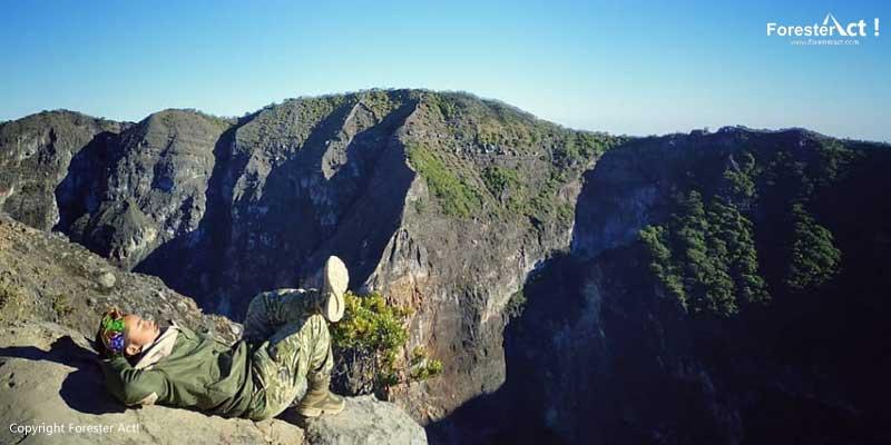 Mendaki-Gunung-Ciremai