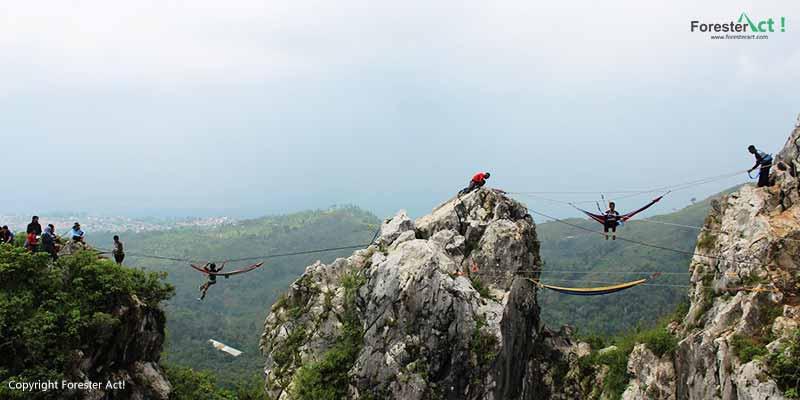 Kegiatan Wisata Alam di Gunung Hawu Citatah Padalarang