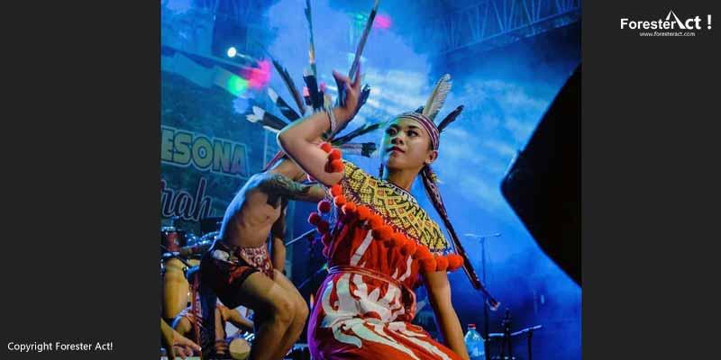 Masyarakat Dayak pada Kegiatan Festival Danau Sentarum
