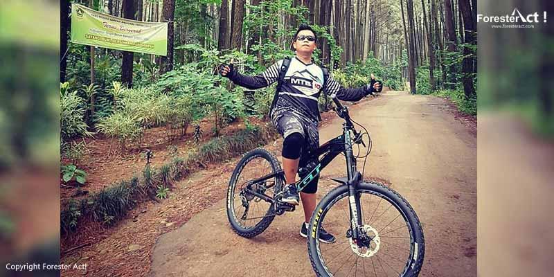 Bersepeda di Gunung Pancar