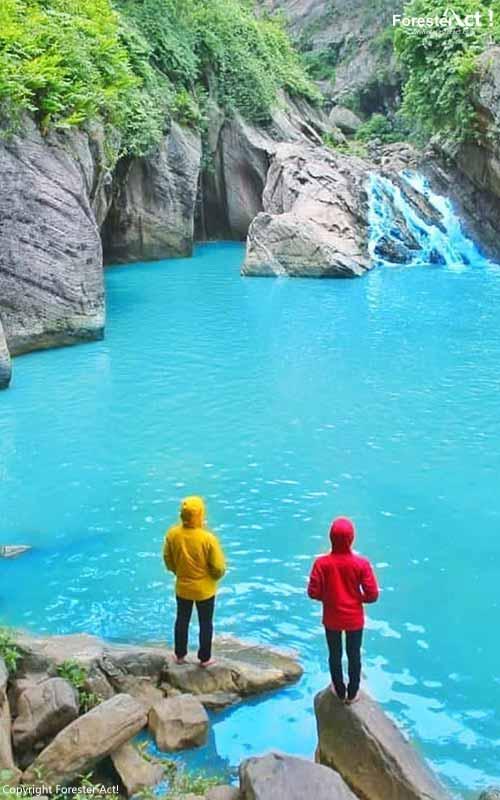 Air biru yang jernih di Sanghyang Heuleut