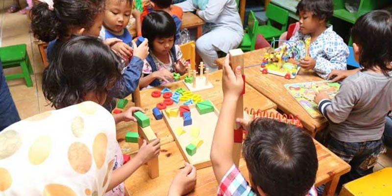 Salah satu bentuk pembangunan oleh KORINDO dalam bidang pendidikan di wilayah perbatasan Papua