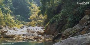 Suasana Danau Sanghyang Heuleut