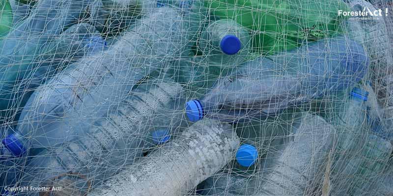 Botol Plastik Air Minum dalam Kemasan