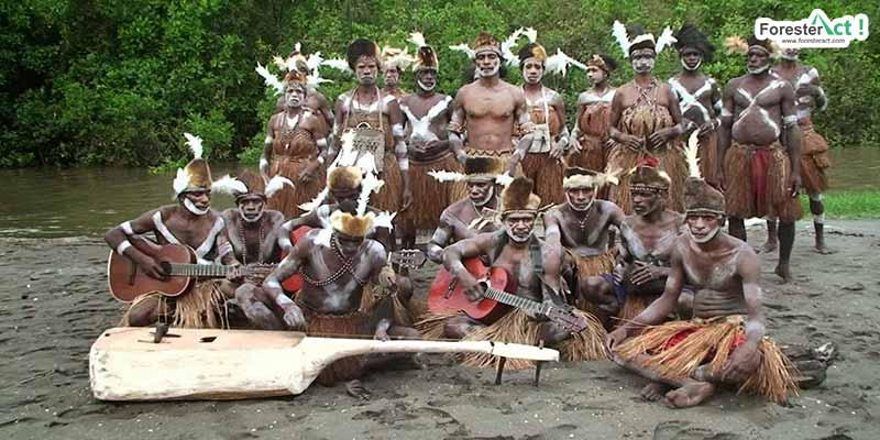 Suku Asmat di Sekitar Taman Nasional Lorentz
