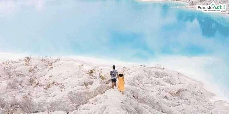 Danau Kaolin yang Memanjakan Mata