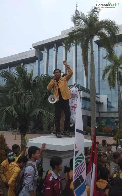 Aksi dan Audiensi di Gedung Pemerintah Provinsi Kalimantan Timur