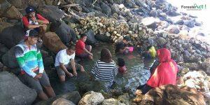 Kolam Air Panas Pantai Akesahu (instagram.com)