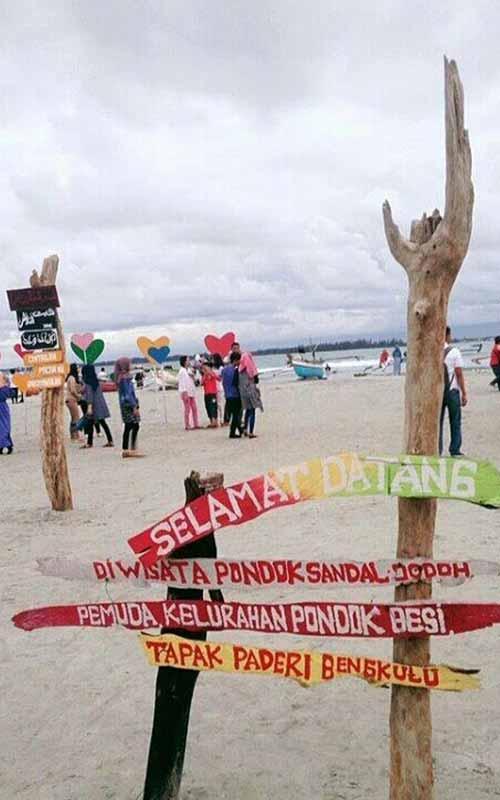 Pantai Sandal Jodoh (instagram.com)