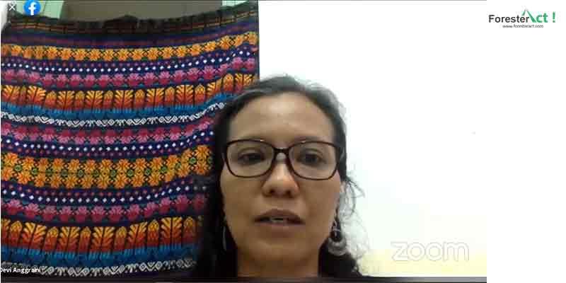 Devi Anggraini, Ketua Umum PEREMPUAN AMAN dalam webinar Wilayah Kelola Perempuan Adat (Sumber Dokumentasi Perempuan AMAN)