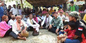 Masyarakat Kampung Adat Kuta (instagram.com)