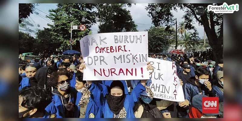 Aksi Melawan Omnibus Law (CNN Indonesia)